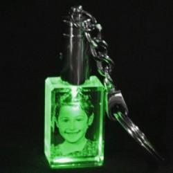- Kişiye Özel Kristal 30x20x15 Yeşil Işıklı Anahtarlık